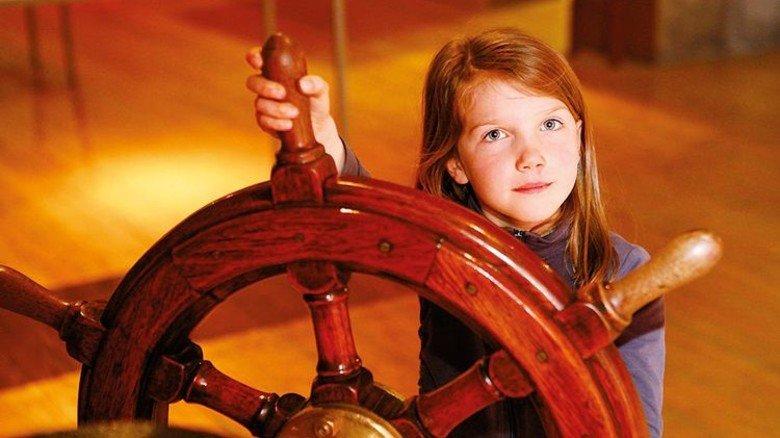 Ran ans Ruder! Und sich wie ein Kapitän fühlen. Foto: Schiffbau- und Schifffahrtsmuseum