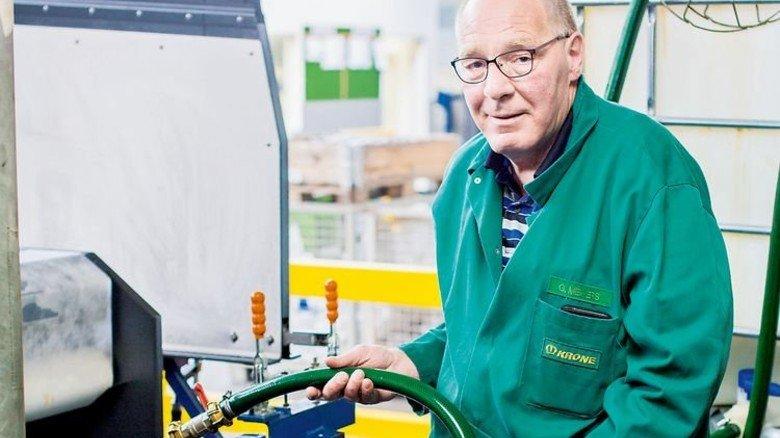 40 Jahre im Unternehmen: So hat Georg Meiners zum Schluss einen alternsgerechten Arbeitsplatz besetzt. Foto: Lorenczat
