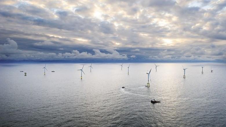 Zuverlässige Stromlieferanten: Windturbinen in der Nordsee. Foto: Ibeler