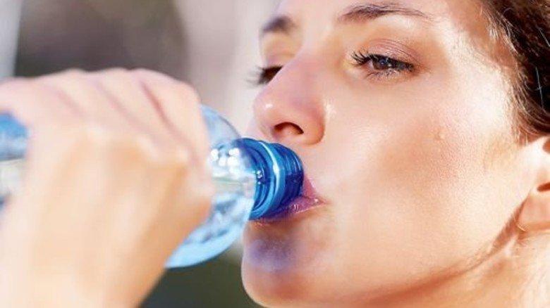 Durst: Beim Getränk erwarten wir den vertrauten Geschmack. Foto: istock/STEEX