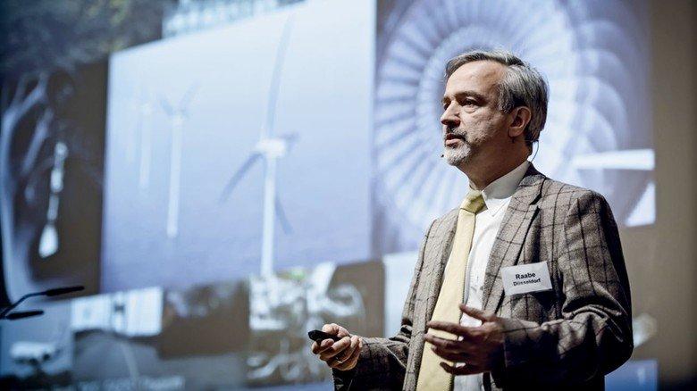 """Professor Dierk Raabe: """"Gefragt sind Spezialstähle in großen Mengen zu günstigen Preisen."""""""