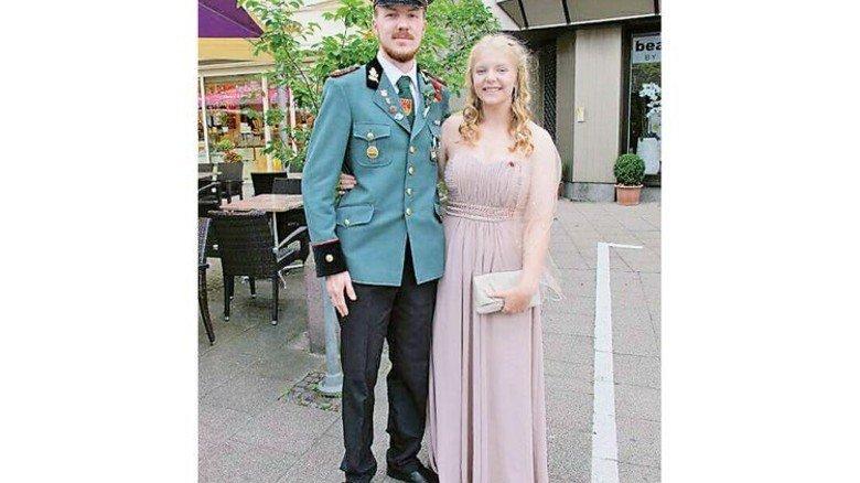 Elegant: Auch im Hofstaat fühlte sich Karolina pudelwohl. Foto: Privat