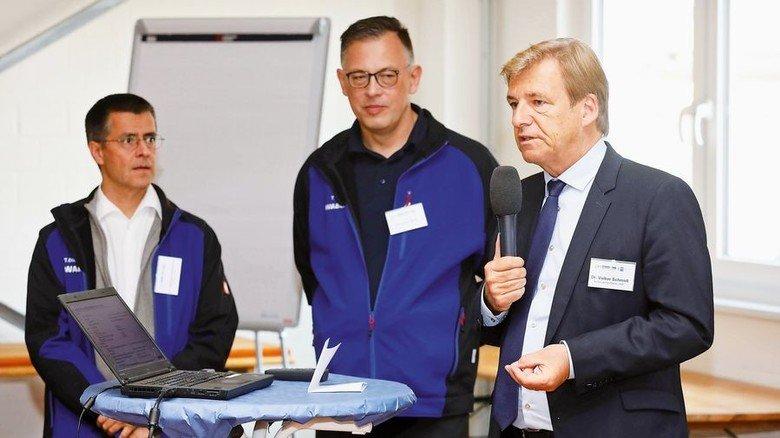 Wichtige Impulse: Dr. Volker Schmidt und Thomas Wolf sowie Dr. Thomas Dieckmann von Wabco (von rechts). Foto: Arp