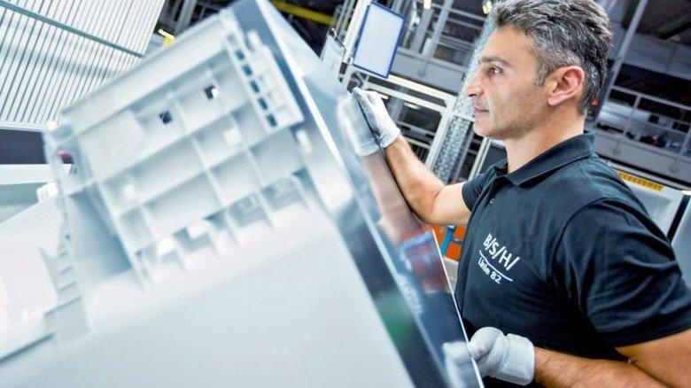 Haushaltsgeräte: 73 Prozent weniger Strom als 15 Jahre ältere Modelle braucht der modernste Kühlschrank von BSH aus Giengen. Foto: Werk