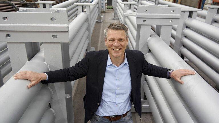 Stolz auf die Spaltgaskühler, die selbst Extreme aushalten: Karsten Stückrath, Geschäftsführer von Schmidtsche Schack in Kassel.
