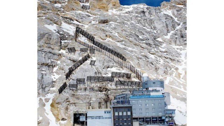 """Klimaforschung ganz hoch oben: Im """"Schneefernerhaus"""" unterhalb des Zugspitzgipfels. Foto: dpa"""