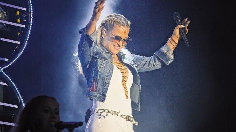 BR-Radltour zu Gast in Landshut: Anastacia singt vor 20.000Fans. Foto: BR
