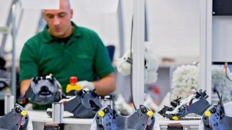Made in Wuppertal: Produktion der Küchenmaschine Thermomix bei Vorwerk. Foto: dpa