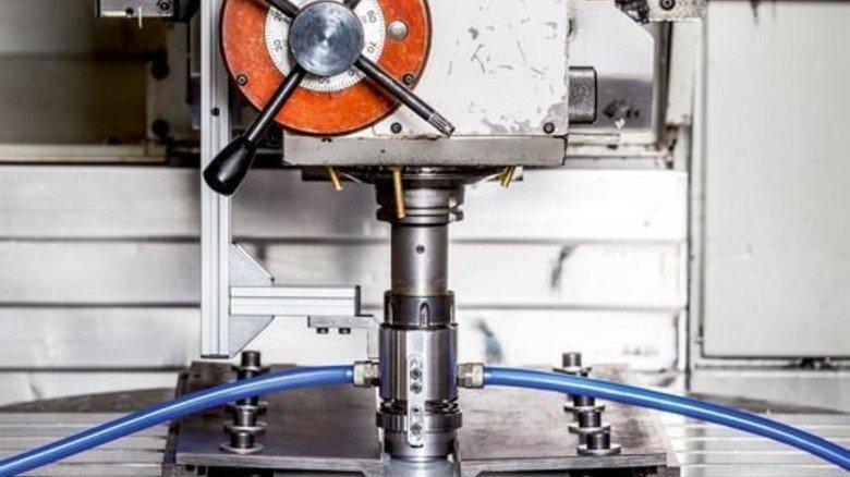 Rührreibschweißen: Hier wird der Vorgang an einem Werkstück optimiert. Foto: Fraunhofer