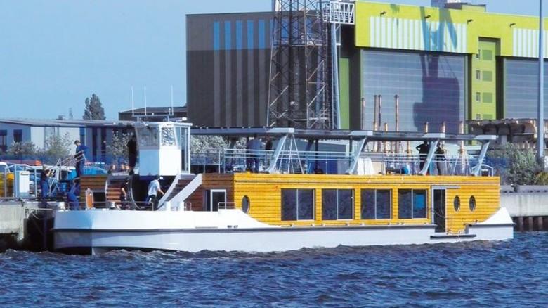 Ausgefallene Konstruktion: Ein elektrisch betriebenes Seminarschiff von Ostseestaal. Foto: Ostseestaal