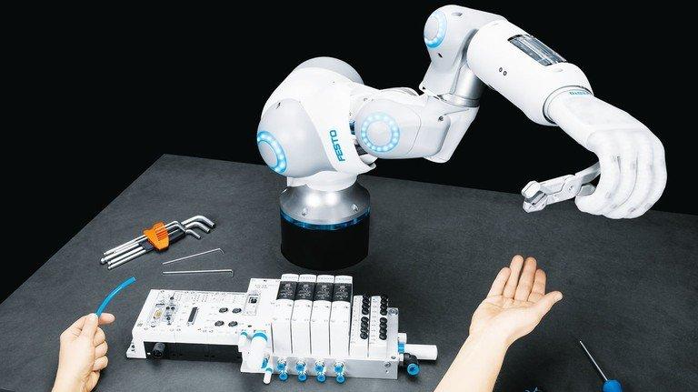Zu Diensten: Diese Roboterhand hat alle Vorteile der Menschenhand.