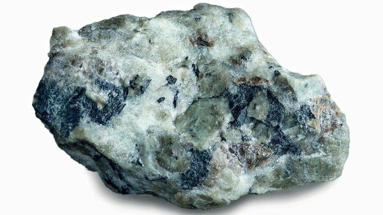 Phosphor-Mineral: Je nach Anordnung seiner Atome ist es weiß, rot, violett oder schwarz.