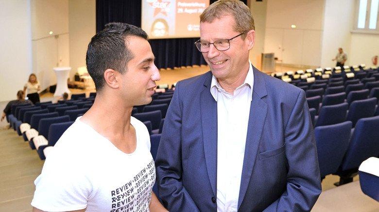 Wegbereiter: Ausbildungsleiter Stefan Hüppe hat Dababos Talente schon bei dessen Pratikumsbewerbung erkannt.