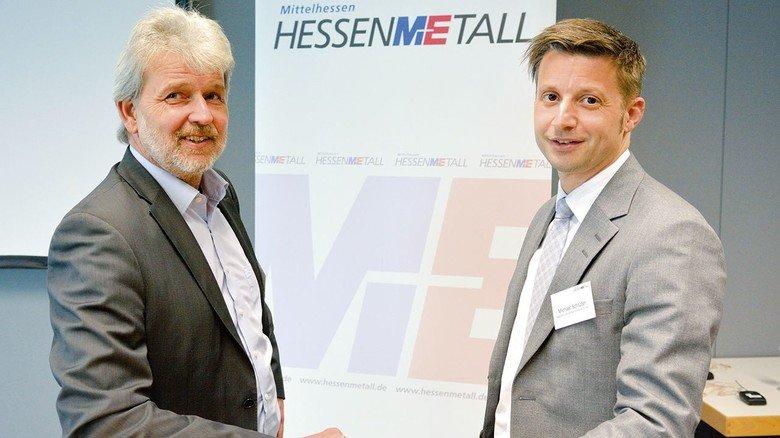 Ein Traditionsunternehmen auf dem Weg in die digitale Produktion: Ralf Gawenda (links) und Michael Schlüter von der Isabellenhütte.