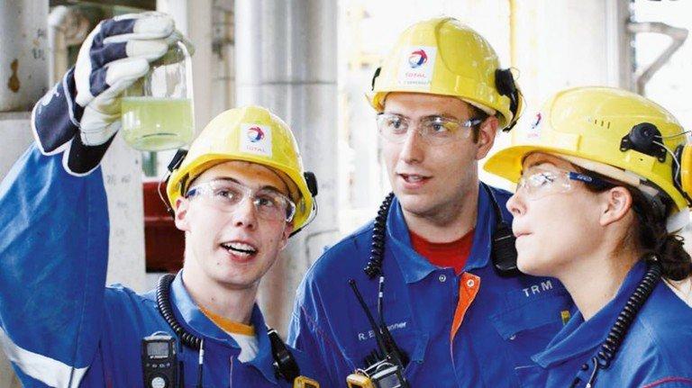 Qualitätsprüfung: Regelmäßig werden in der Produktion Proben gezogen.
