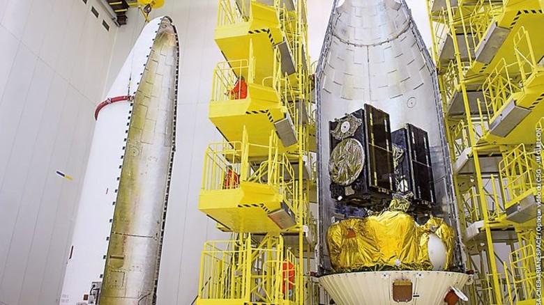 Vorm Start: Die Satelliten Andriana und Liene in der Rakete. Foto: OBS