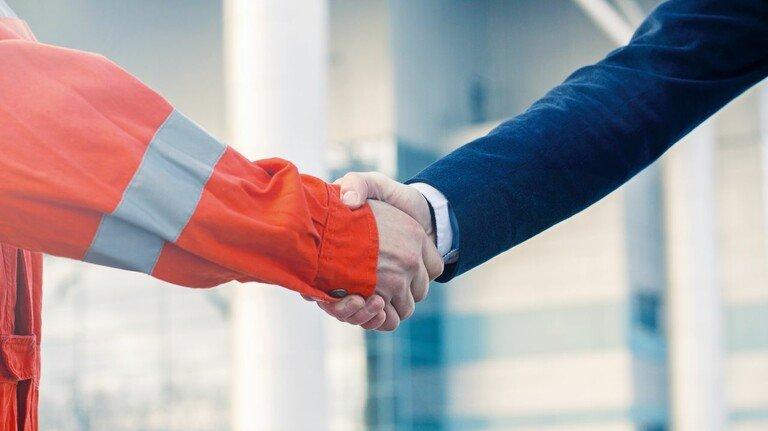 Win-win-Situation: Von den immer wieder gefundenen Kompromissen profitieren Arbeitnehmer und Arbeitgeber.