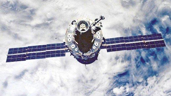 2000: Die Raumstation ISS entsteht. Bayerische Raumfahrt-Kompetenz, von der Politik stets gefördert, hilft dabei. Foto: dpa