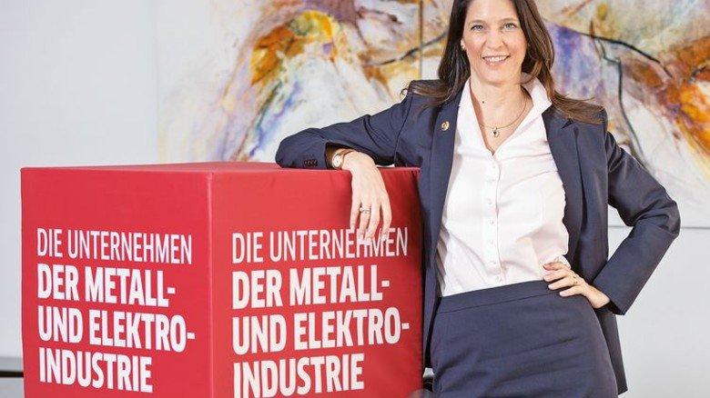 Zeigt Präsenz: Bettina Schwegmann im Verbandshaus … Foto: MAV