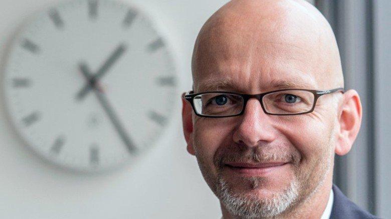 Er erforscht die moderne Arbeitswelt: IW-Ökonom Oliver Stettes. Foto: Strassmeier