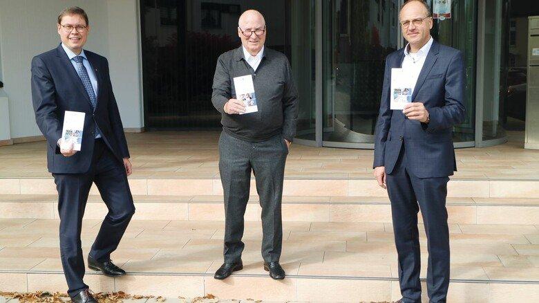 Stolz auf ein Erfolgsmodell: SIHK-Präsident und MAV-Vorstandsmitglied Ralf Stoffels, MAV-Vorsitzender Horst-Werner Maier-Hunke und FH-Rektor Claus Schuster (von links) erinnerten an die Anfänge.