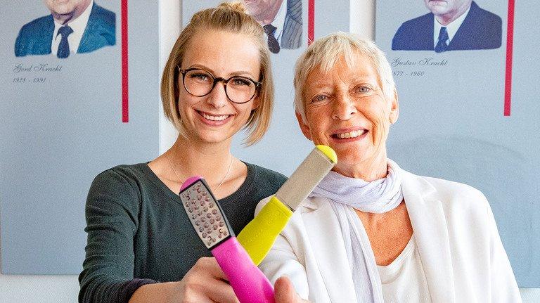 Stabwechsel: Tochter Nadine wird den Betrieb von Mutter Gabriele Kracht übernehmen.