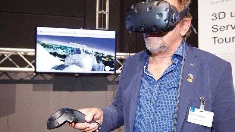 """Und im Tourismus lassen sich mit Virtual-Reality-Brille Berge """"besteigen"""". Foto: Bodmer"""