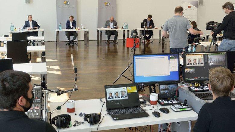 Pressekonferenz in Corona-Zeiten: Journalisten,  die nicht in  Frankfurt teilnehmen konnten, waren live zugeschaltet.