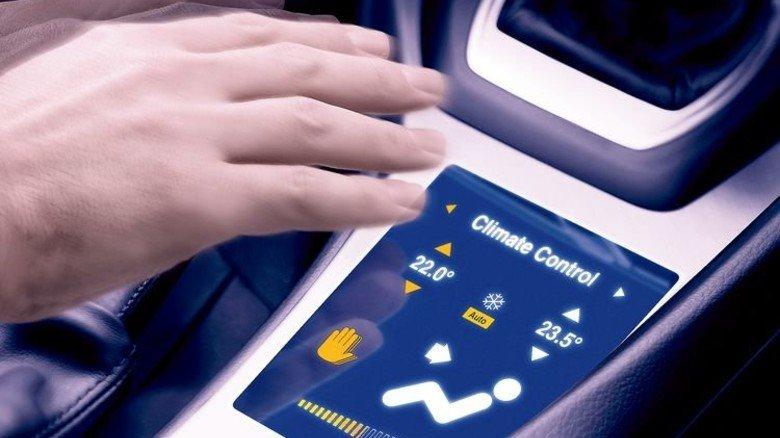Osram: Handbewegungen schaffen eine nahtlose Verbindung zwischen Mensch und Technik. Dazu setzt man infrarote Leuchtdioden ein. Foto: Werk