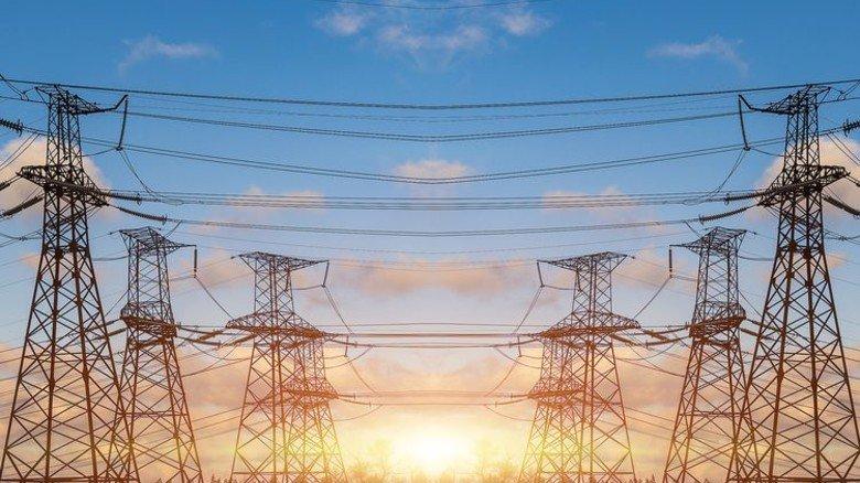 Zwei Seiten eines Geschäfts: Eon kümmert sich künftig nur noch um Stromnetze, RWE um Stromerzeugung. Foto: Adobe Stock