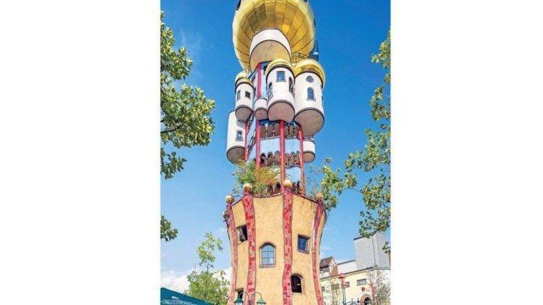 Künstlerische Eindrücke: Kuchlbauer-Turm in Abensberg. Foto: Ullstein