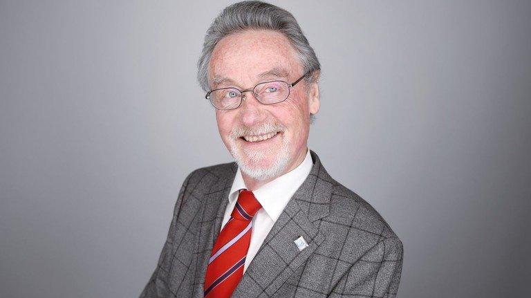 """Professor Rolf J. Langhammer: """"Es droht ein Zoll von 10 Prozent auf deutsche Autos."""""""