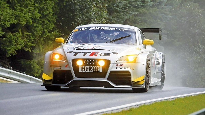 Zu sehen ist unter anderem der Rennwagen TT RS aus dem Jahr 2011.