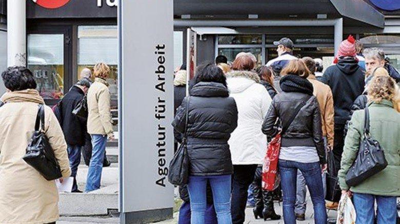 Jobsuchende in Gelsenkirchen: In dieser Stadt ist die Arbeitslosigkeit landesweit am höchsten. Foto: Funke