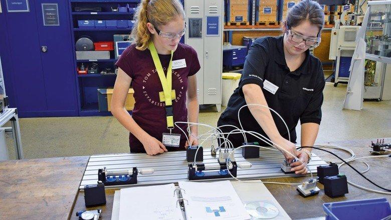 Einblicke: Beim MINT-Club nordbord können sich Mädchen über Technikberufe informieren.