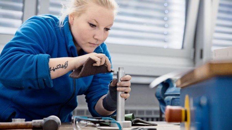 """Azubi Svenja Ast: Sie wollte """"etwas Handfestes machen"""". Foto: Nougrigat"""
