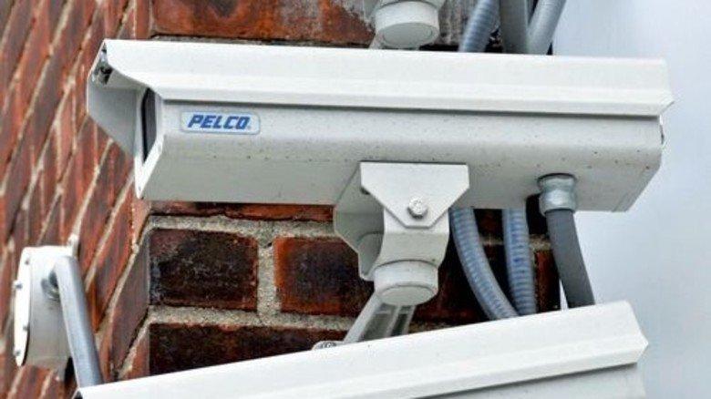 Vernetzt: Internetfähige Kameras liefern kleinste Details. Foto: dpa