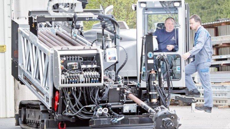 Fettes Ding: Die Maschinen von Tracto-Technik sind nichts für Dünnbrettbohrer. Foto: Moll