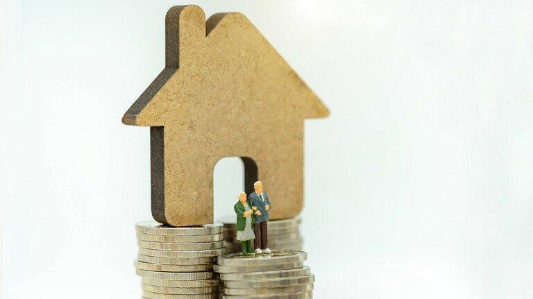 Finanzielles Fundament: Mit einer Umkehrhypothek kann man sein Haus zu Geld machen und bis ins hohe Alter darin wohnen bleiben.