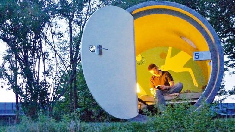 """Das etwas andere """"Parkhotel"""": Im Bernepark Bottrop bezahlt man pro Nacht nur so viel, wie man möchte."""