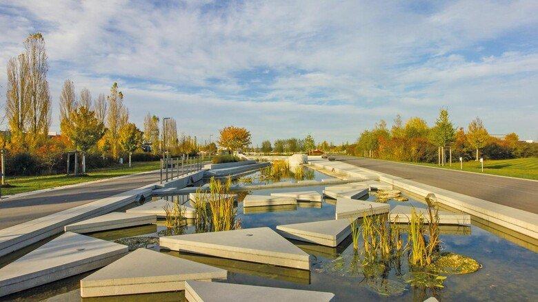 Futuristisch: Der neu gestaltete Wassergarten für die Landesgartenschau Ingolstadt.