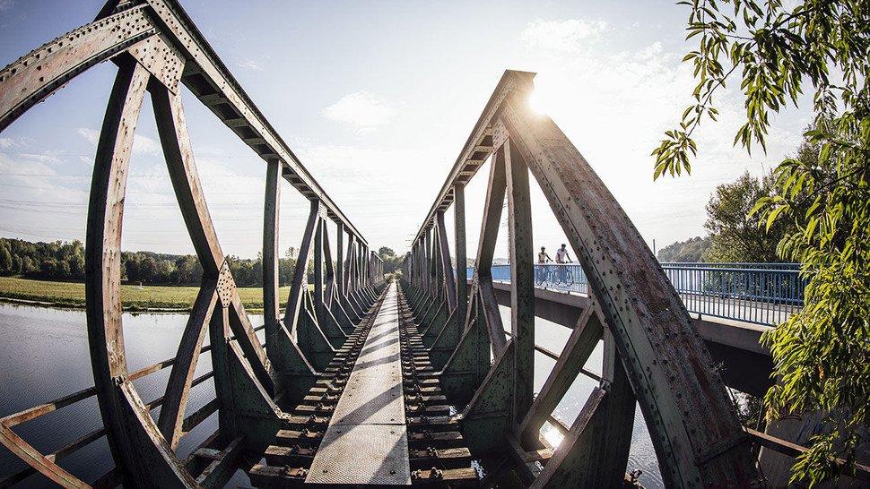 Beim Eisenbahnmuseum in Bochum-Dahlhausen: Ehemalige Eisenbahnbrücke.