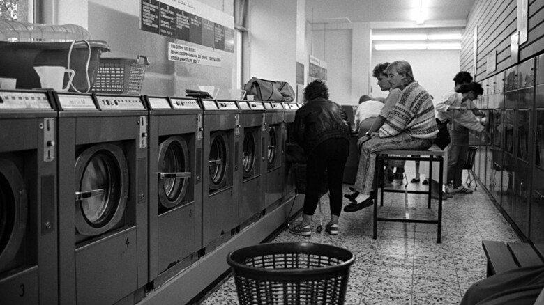 Waschsalon in München 1988: Schlecht, wenn man zwar die Wäsche, aber nicht das nötige Kleingeld dabei hatte.