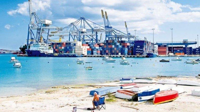 Container-Hafen Salina Bay auf Malta: Das Land lockt mit günstigen Arbeitskosten und kurzen Entscheidungswegen. Foto: Mauritius