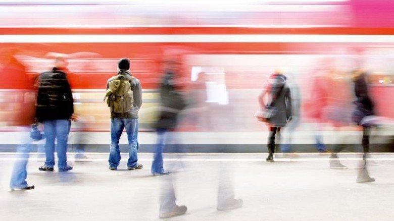 Stillstand oder Bewegung: Wer den Zug der Zeit nicht verpassen will, muss flexibel sein. Foto: dpa