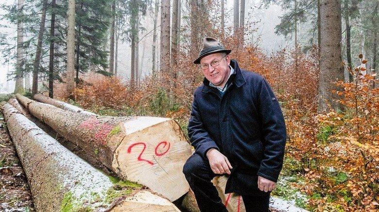 Bauer und Baum: Johann Killer, 57, bayerischer Waldbauer in der dritten Generation. Foto: Bodmer