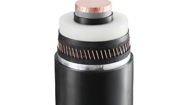 Armdick: Dieses Spezialkabel von ABB schafft Gleichstromübertragung mit 525 Kilovolt Spannung. Foto: Werk.