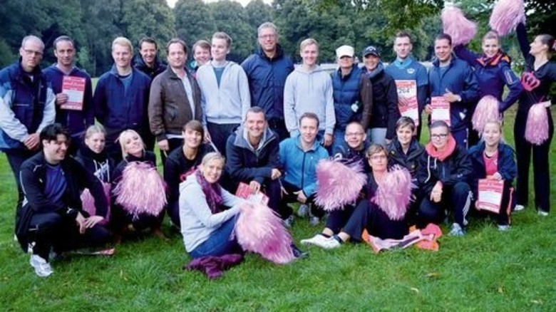 Betriebssport: Beim Firmen-Staffellauf in Hamburg ist das Crown-Team jedes Jahr dabei. Foto: Werk