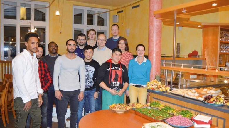 Gemeinsam gekocht: Die Teilnehmer der FLOW-Aktion in Lübeck kamen aus vielen verschiedenen Ländern. Foto: Dräger