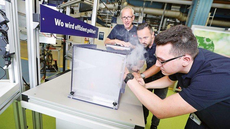Stoßlüften im Modellversuch: Die EnergieErlebniswelt sensibilisiert die Mitarbeiter am Standort Feuerbach, dem ältesten BoschWerk überhaupt, fürs Energiesparen.